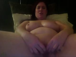 बिग titted लड़की जिस masturbates