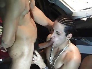 , विशाल बालों और रसदार लैटिन लंड 3
