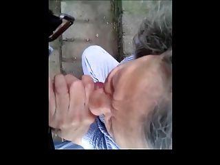 smartphowned चूसने दादी