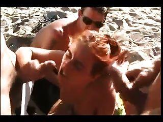 नग्न समुद्र तट - गर्म रेड इंडियन डीपी गैंगबैंग यूके फेशियल