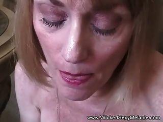 मेरी पसंदीदा milf के साथ यौन संबंध रखने