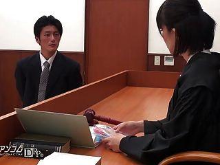 एशियाई वकील अदालत 02 में बकवास करने के लिए होने
