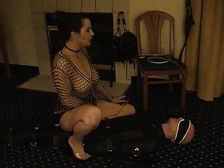 महिलाओं का दबदबा - एक गुलाम कमबख्त