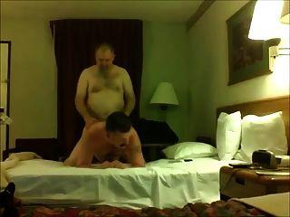पिताजी भालू कमबख्त