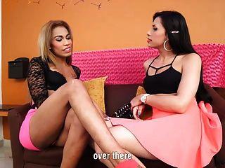 सेक्सी मारियाना गुलाबी और बेला टीएस में टीएस कार्रवाई पर