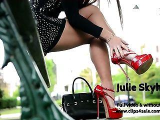 जूली का सबसे अच्छा Skyhigh उच्च ऊँची एड़ी के जूते, miniskirt hooking सार्वजनिक
