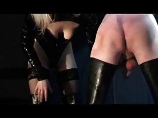 दो जर्मन mistresses दास का उपयोग