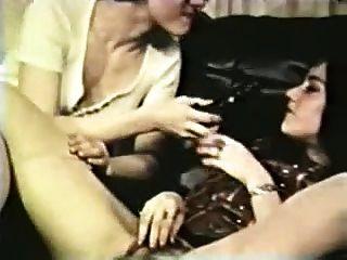 विंटेज - 1960 - एक छोटी सी मदद के लिए हाथ
