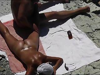 एक समुद्र तट पर पत्नी का योनी छूत