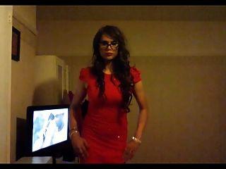 kaylagirl80 - लाल रंग की पोशाक में crossdresser