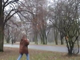 जनता में गोरा दादी कमबख्त