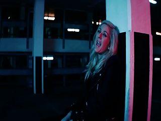 मुझे प्यार करते है जैसे आप करते हैं - अश्लील संगीत वीडियो