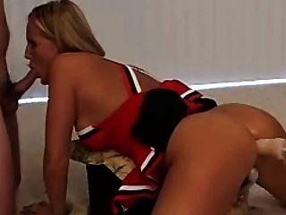 कमबख्त मशीन के साथ सेक्सी गोरा