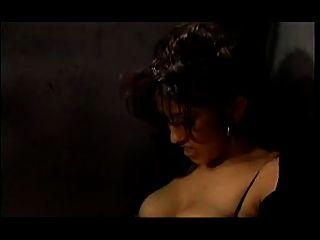 एक महिला जेल में एक गर्म समलैंगिक बकवास नंगा नाच