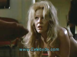 रेबेका ब्रुक पैर और गधे चाटना करने के लिए दंडित