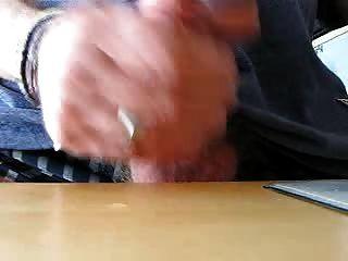 सह मेज पर