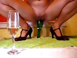 शराब की बोतल 2