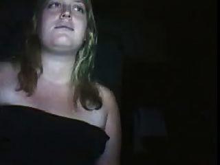 गर्भवती महिला के साथ जोड़े सामने वेब कैमरा