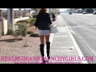 आबनूस सड़क वेश्या गड़बड़ blowjob बड़ा चेहरे देता है