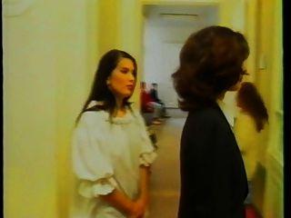 लेज़ियोन पिई पियानो अभिनीत एंजेलिका बेला 1997 2 2