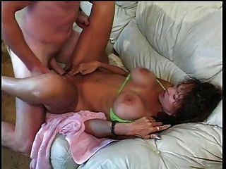 busty परिपक्व हो योनी और titty गड़बड़