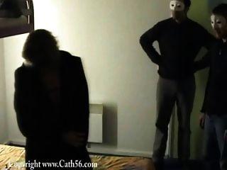 कैथ joue la pute dans un होटल