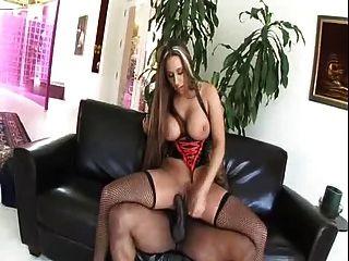 सेक्सी पोशाक में milf alisandra मोनरो गधे में बीबीसी लेता है