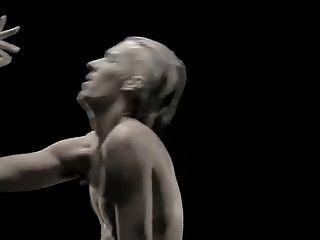 कामुक नृत्य प्रदर्शन 4 निकटता और लिंग की दूरी