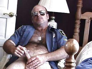 पुलिस अधिकारी लूटने वाले जोन्स