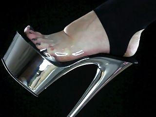 अपने मालकिन पैर, पैर वर्चस्व के गंदगी को निगल