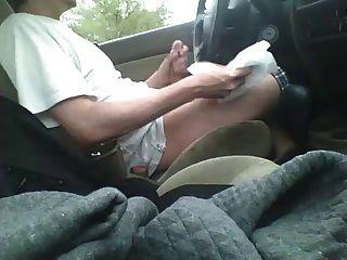 कार में बंद जैकिंग