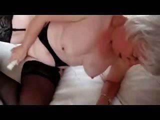 ओहोरी फूहड़ 73 साल का अभी भी प्यार करता है हस्तमैथुन। शौक़ीन व्यक्ति