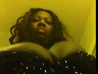 विशाल स्तन के साथ काले BBW
