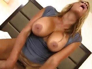 जिल्फ़ विशाल प्राकृतिक उछल स्तन