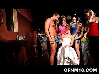 सेक्सी किशोर सैंड्रा के साथ प्रैग क्लब में शांत सीएफएनएम मुर्गी पार्टी