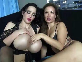 विशाल स्तन छोटे मुर्गा जॉय ... it4