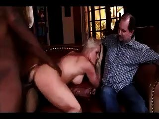 मोटा पति काली आदमी द्वारा इस्तेमाल किया पत्नी का निरीक्षण