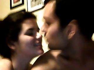 लड़की blowjob, एक पट्टा के साथ बकवास और उसके प्रेमी fisting