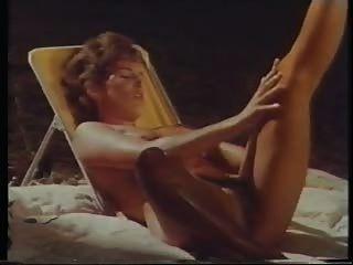 शिविर के महिला सपने (महान विंटेज समलैंगिक दृश्य)