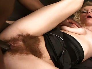 busty बालों वाली गोरा एक बीबीसी लेता है