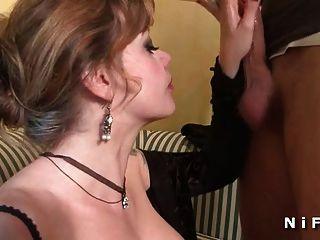सीएफएनएम फ्रेंच परिपक्व के साथ बड़े स्तन मुश्किल टक्कर लगी है