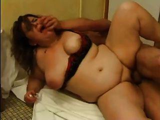 BBW सेवाओं के लिए गुदा सेक्स में भुगतान किया जाता है