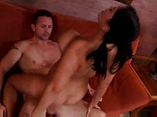 बड़े स्तन और गर्म शरीर महान सेक्स! dh