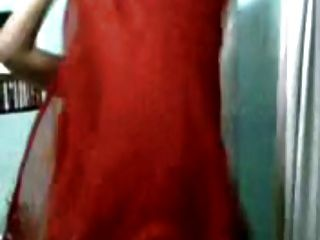 बांग्ला लड़की पोशाक बदलने