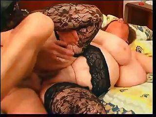 बड़े स्तन grannie में गर्म सेक्स और cumshot