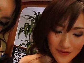 एक महान समलैंगिक दृश्य में मारिया ओझावा