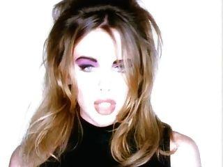 मुझे क्या करना होगा? अश्लील संगीत वीडियो खूबसूरत गोरा गुदा