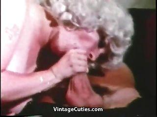 विशाल बड़े स्तन और नाविक के साथ परिपक्व (1 9 60 के दशक पुरानी)