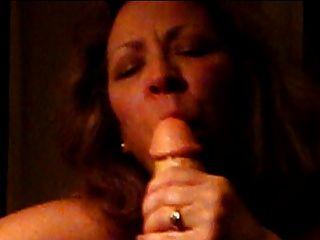 शौकिया परिपक्व पत्नी बंद squirting डांग sucks