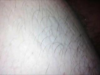 मेरे प्रेमी ने पहली बार कैमरे पर मेरे गधे को भरना